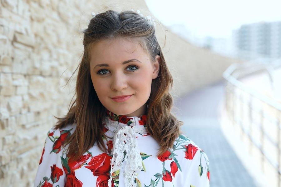 Анна, 15 лет рост 160