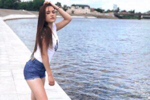 Анна 19 лет, рост 158см